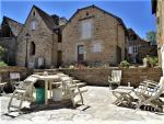 North of Lot, magnificent buildings in stone with a superb view, on ~8700m²